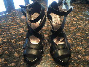 Beautiful black leather strapping guess heels
