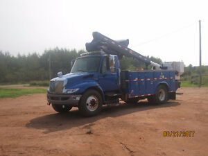 2008 International 4400 bucket truck