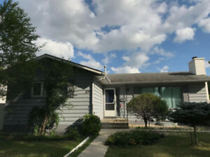 6 Bedrooms house available near by Pembina hwy