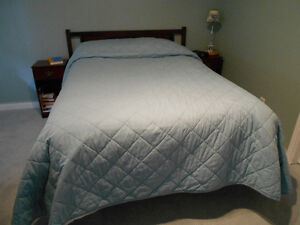 Complete bed with bedding, Headboard, 9 dravers chest + mirror