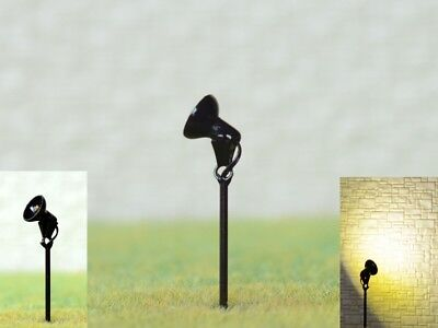 S386 - 5 Stück LED Flutlichtstrahler mit Mast Bau- u. Fassadenstrahler Flutlicht