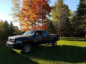 1999 Dodge Power Ram 2500 Sport Cummins Turbo diesel 24 valves