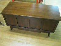 1970's Lane Cedar Chest Beautiful Knechtel Furniture Hanover Ont