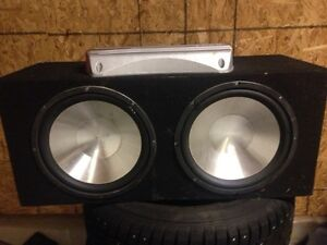12inch subs in box with 600 w Sony xplod amp