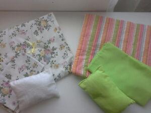 Comforter and sheet set for Doll Cribs Belleville Belleville Area image 1