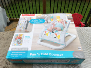 Fisher Price - Bouncer (New)
