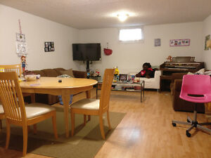 2 Bed rooms basement suite, $850, available on Nov 1st