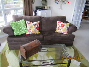 Like NEW!!! Beautiful Dark Brown Contemporary Couch