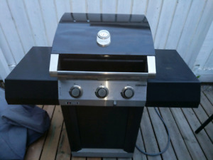 Centro 2800, 3 burner Natural gas Bbq