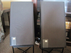 Bookshelf Stereo Speakers
