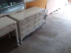 Dressers with matching end table and mirror
