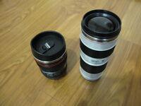 Tasses café en forme d'objectif de caméra
