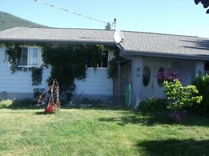 Nice 5 bedroom 2.5 bath home on .45 acre in Erickson/ Creston,BC