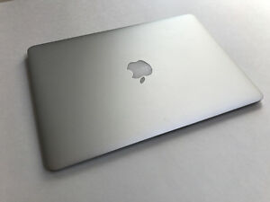 "Macbook Air 2014 13"" - 250 GB- 198 Cycle Count - AMAZING 10/10!"
