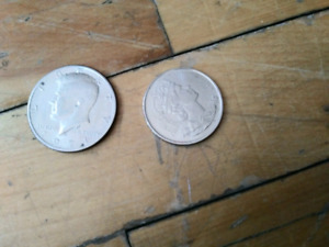 2 30 CENTS COINS 1971 USA KENNEDY 2002 CANADA CIRCULATED
