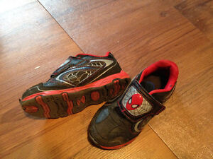 Size 10 boys/toddler runners Strathcona County Edmonton Area image 1