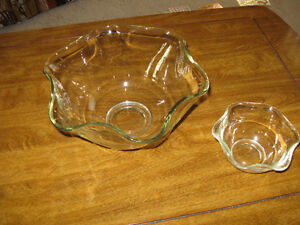 NEW Serving bowls and bowl covers--Excellent Gifts