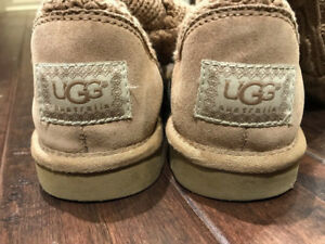 Camel Ugg Boots in like new condition women size 5