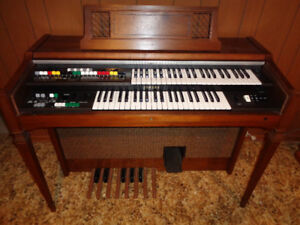 YAMAHA ORGAN BK-20A TWO-TIER Over 100 Pieces Included—ONE OWNER