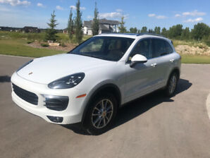 2016 Porsche Cayenne White with Black and Tan leather interior
