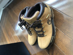 timberland pour garçon taille 6 US comme neuf