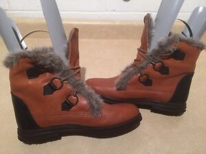 Women's Insulated Winter Boots Size 12 London Ontario image 2