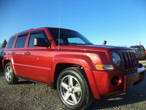 2007 Jeep Patriot SPORT 4X4---EXCELLENT SHAPE IN AND OUT--CLEAN