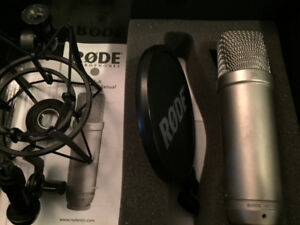 Rode NT1A Microphone Kit w/ Shock Mount & Pop Filter