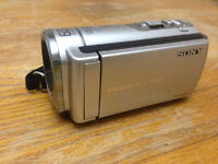 Sony DCR-SX43 Handycam Camcorder - Like New!