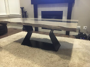 Modern live edge dinning table with black crystal middle