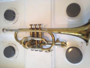 Trumpet sounds greattt !!A little worn a little tarnished But