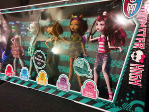 New Monster High Dolls - Skull Shores 5 Pack - X4489