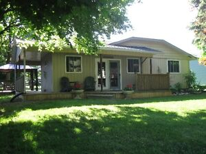 Lakeview Family Cottage - Now Renting For Fall 2016 Season