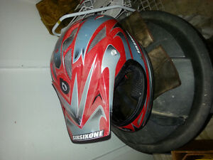 Four wheeler/dirt bike helmet