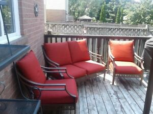 METAL 3-PIECE PATIO SET WITH RED CUSHIONS