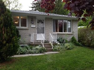 UWO Grad students wanted - great location 3 bdrm