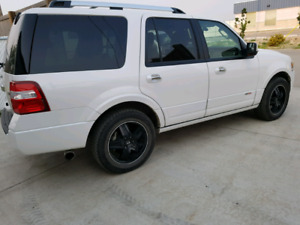 Factory Supercharged 500HP 2013 Ford Expedition only 27,108kms