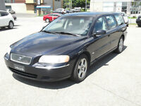 2006 Volvo V70. Automatique, impeccable, original, seul. 156 km.