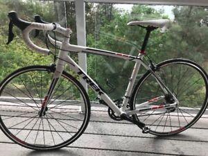Trek Madone 2.1  Road bike, 52cm frame