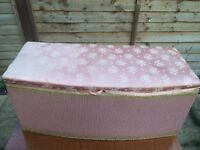 Vintage ottoman.. Shabby chic project