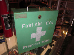 Vintage CN Metal First Aid Kit For Sale