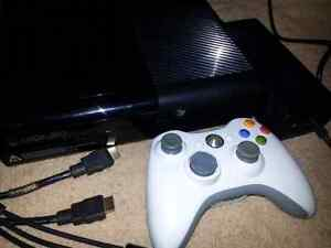 Xbox 360 E console with Wireless controller  (Newest 360 model)
