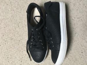 Nine West women's sneakers. Size 8 black snake skin appearance