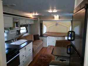 Rockwood Roo 23SS Hybrid (rare SS appliances and white cabinets)