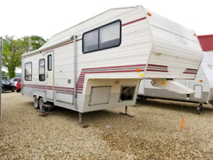 * * ONLY $5945 * * 1990 CLEAN FIFTH WHEEL * FULLY INSPECTED * *
