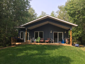 New Cabin in Victoria Beach Restricted Area: great for families!