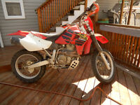 2000 XR650R ( NOT STREET LEGAL !!!!!!! ) THIS IS A RACE BIKE