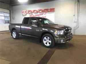 2018 Ram 1500 Quad CAB SLT Plus 4X4 / Heated Buckets