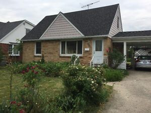 4 bed 2 bath Two Story in South Windsor Available July 1
