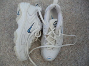 Brand New White and Blue Nike Running Shoes - Size 5